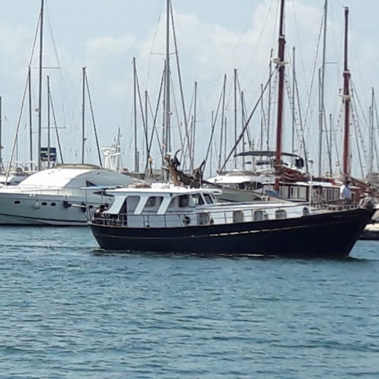 Hire Motorboat with or without skipper llauts Cartagena