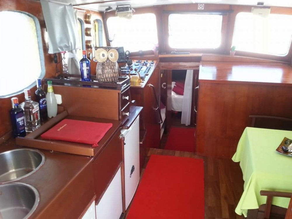 Hire Yacht with or without skipper llauts