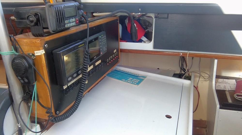 Boat rental Dufour Dufour 3800 in Rochefort on Samboat