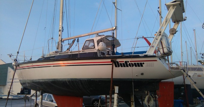 Rental yacht Rochefort - Dufour Dufour 3800 on SamBoat
