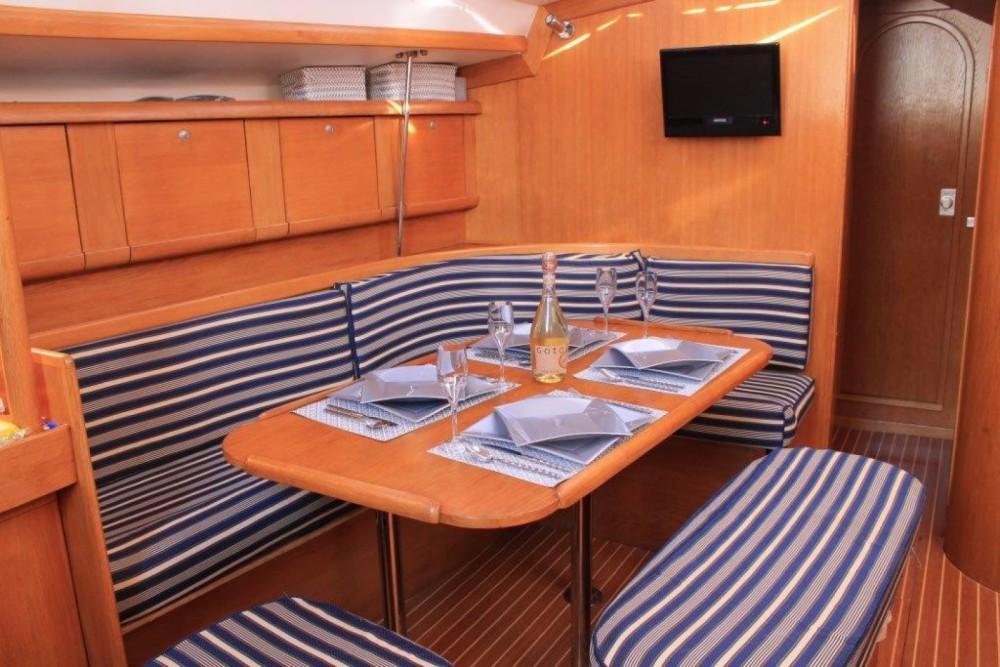 Rental yacht La Spezia - Delphia Delphia 40 on SamBoat
