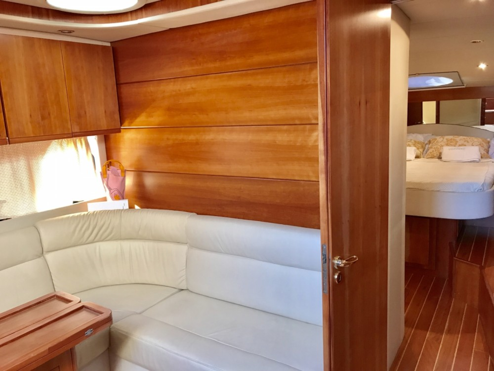 Rental Motorboat in Sorrento - Gianetti Gianetti 45 Sport