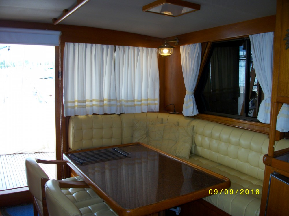 Boat rental Saint-Chamas cheap Island Gypsy 40 Europa
