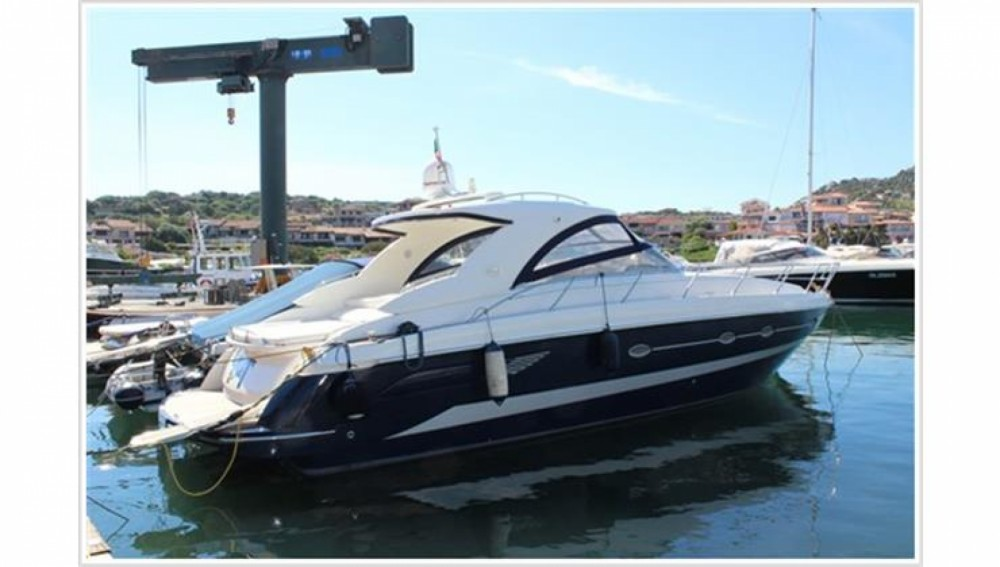 Boat rental Blu Martin Blu Martin 1350 Sun Top in  on Samboat