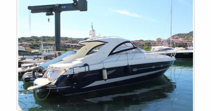 Boat rental Blu Martin Blu Martin 1350 Sun Top in Monfalcone on Samboat