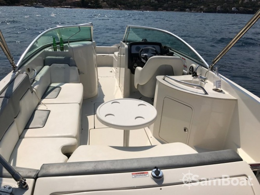Boat rental Sea Ray Sea Ray 260 Sundeck in Vallauris on Samboat