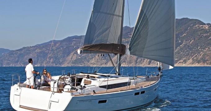 Boat rental Jeanneau Sun Odyssey 479 in Alimos on Samboat