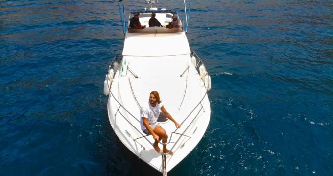 Rent a Fairline Phantom 38 Puerto de Mogán