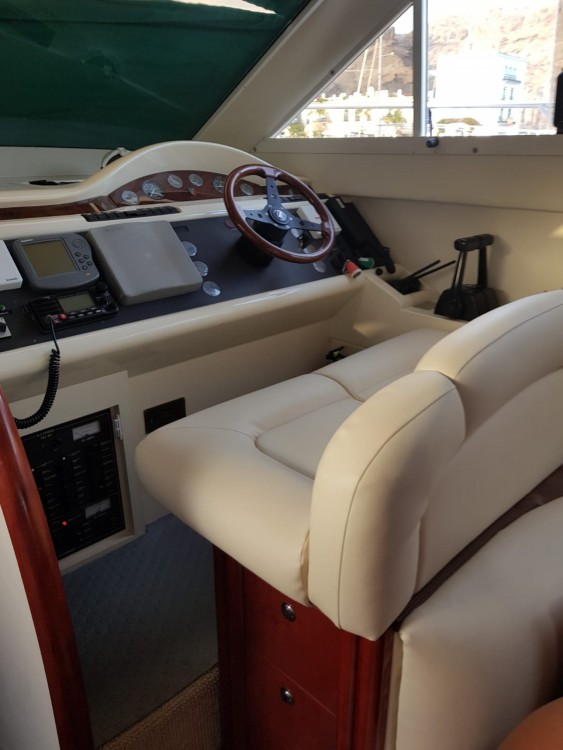 Boat rental Mogán cheap Phantom 38