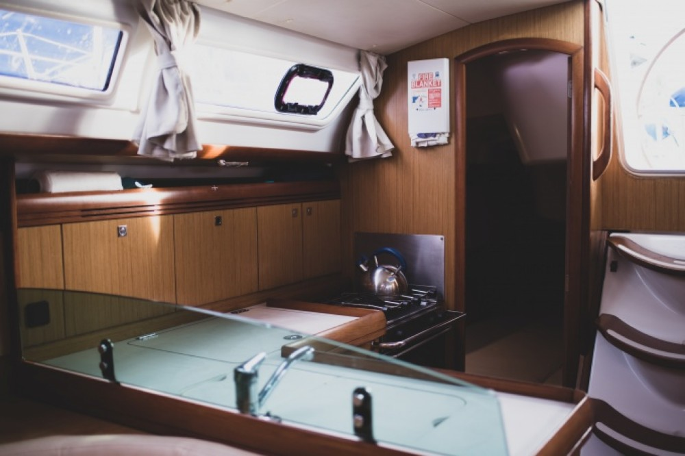 Hire Sailboat with or without skipper Jeanneau Martinique