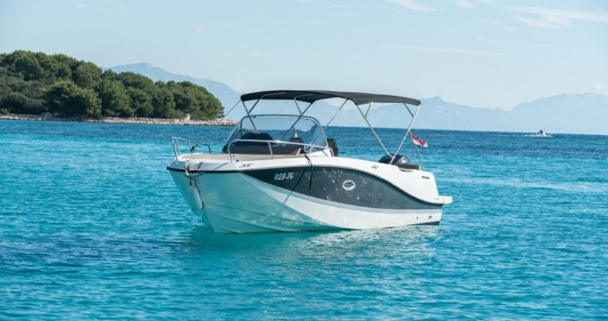 Boat rental Quicksilver Activ 755 Sundeck in Trogir on Samboat