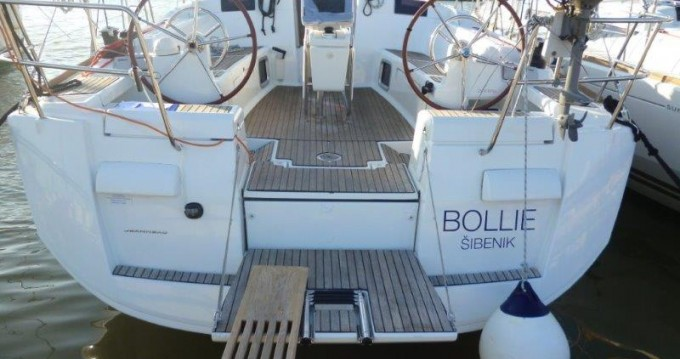 Boat rental Palma de Mallorca cheap Sun Odyssey 439