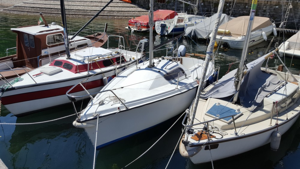 Sailboat for rent Malgrate at the best price