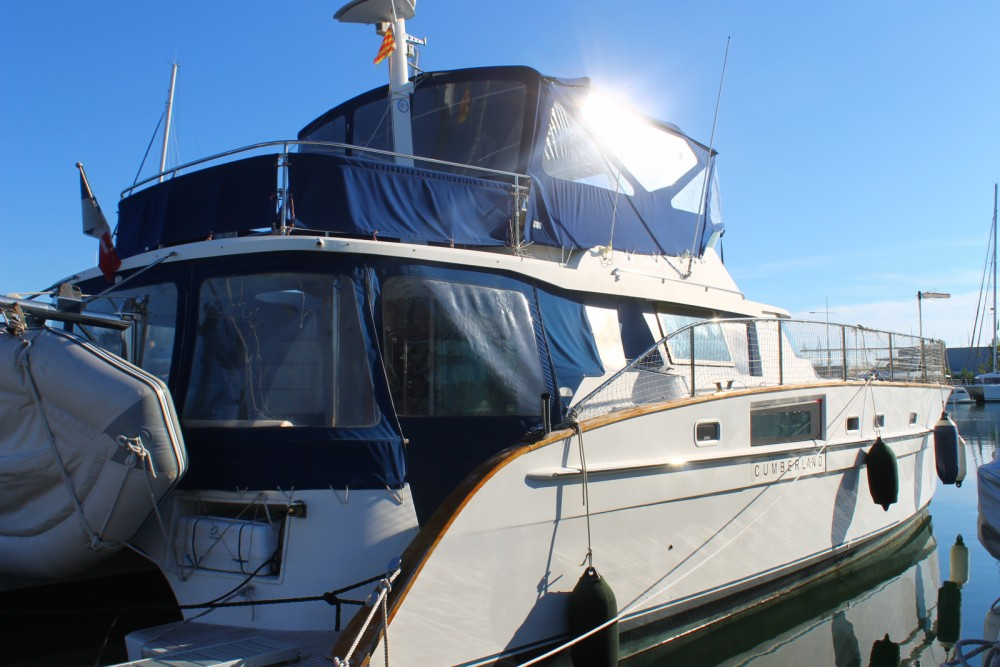 Fountaine Pajot Cumberland 44 between personal and professional Canet-en-Roussillon