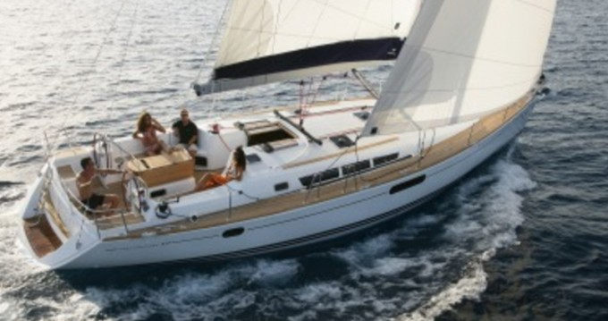 Jeanneau Sun Odyssey 49i between personal and professional Alimos