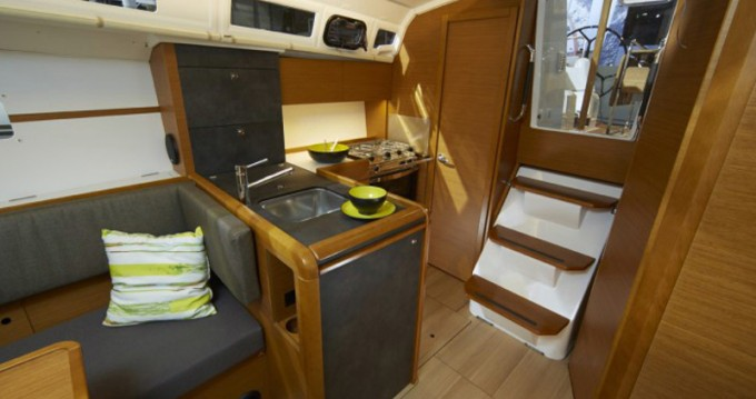 Hire Sailboat with or without skipper Jeanneau Skiathos