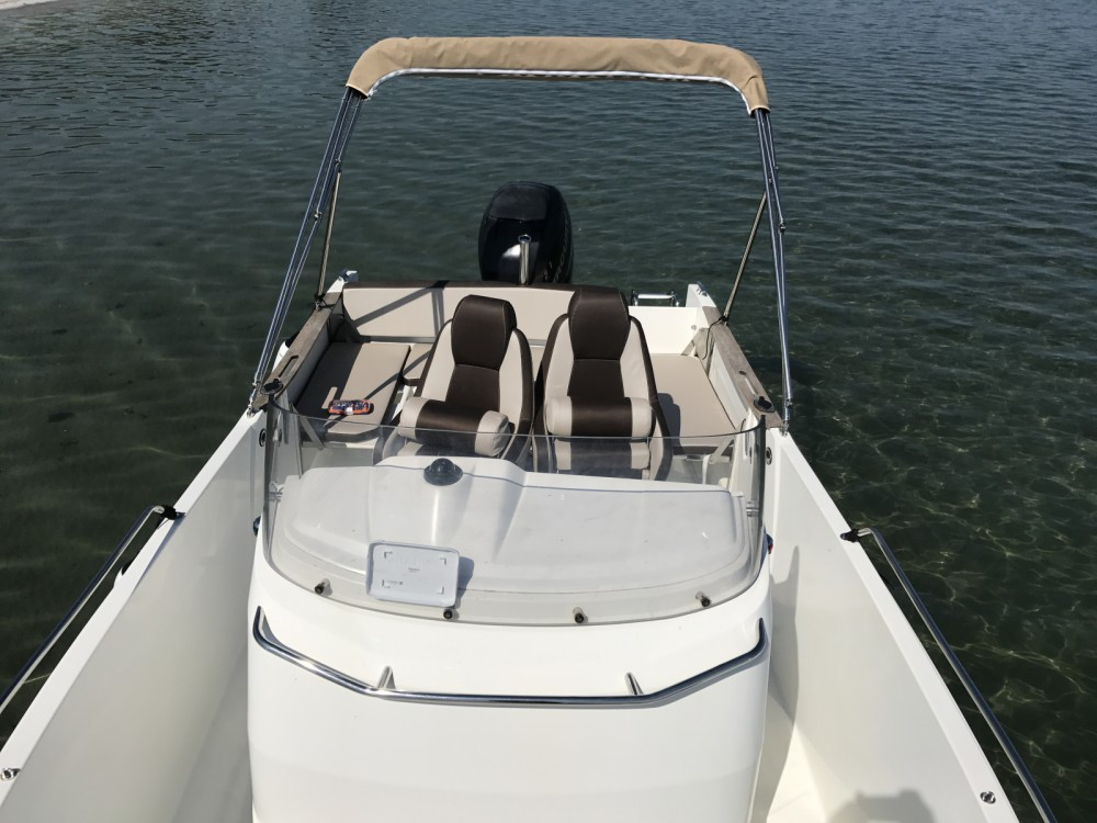Motor boat for rent Port-de-Bouc at the best price
