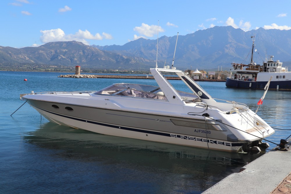 Sunseeker Tomahawk 37 between personal and professional Calvi