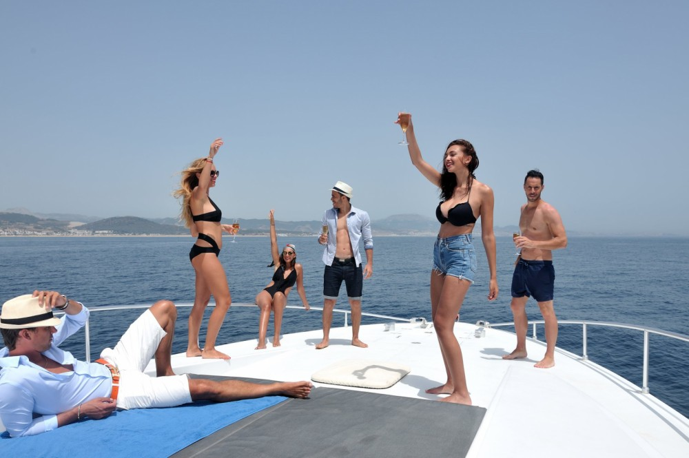 Yacht for rent Marbella at the best price