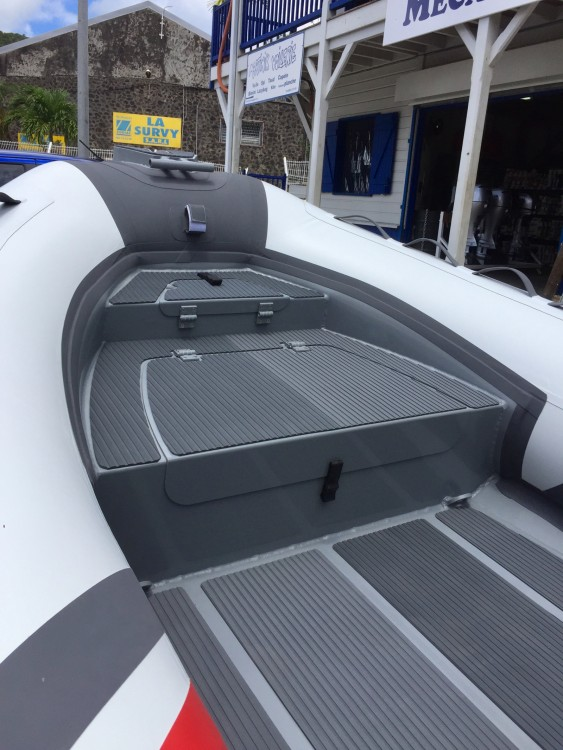 Rental RIB in Fort-de-France - 3D Tender Stealth RIB 460