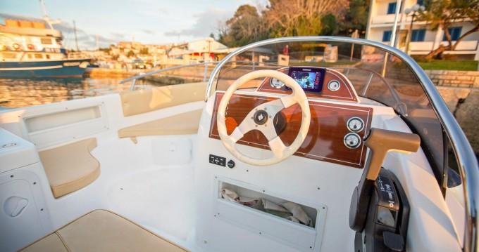 Boat rental Marinello MARINELLO 22 EDEN OPEN in Vrsar-Orsera on Samboat
