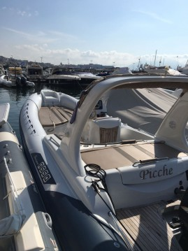 Boat rental Asso Charisma 8.7 in Naples on Samboat