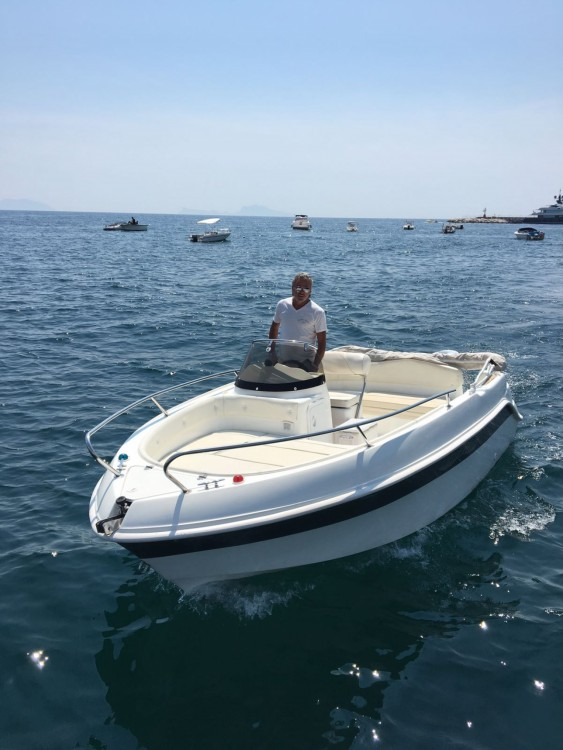 Boat rental Marinello Eden 18 in Naples on Samboat