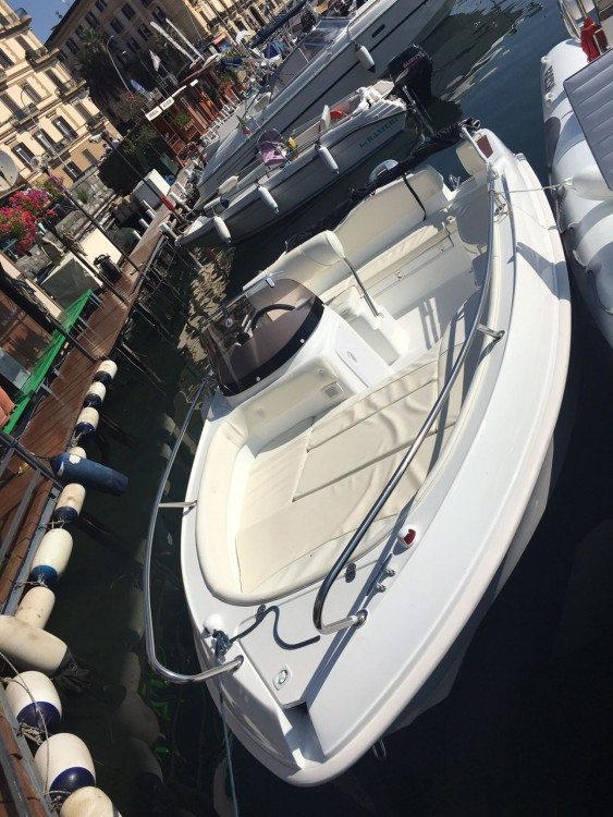 Hire Motor boat with or without skipper Marinello Naples