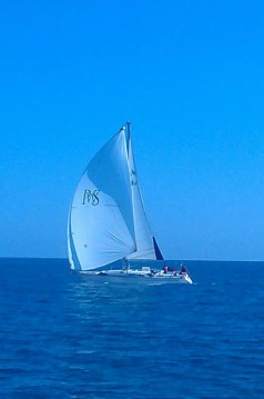 Sailboat for rent Valencia at the best price