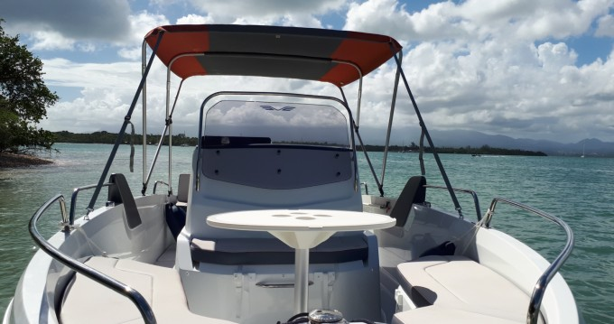 Motorboat for rent Pointe-à-Pitre at the best price