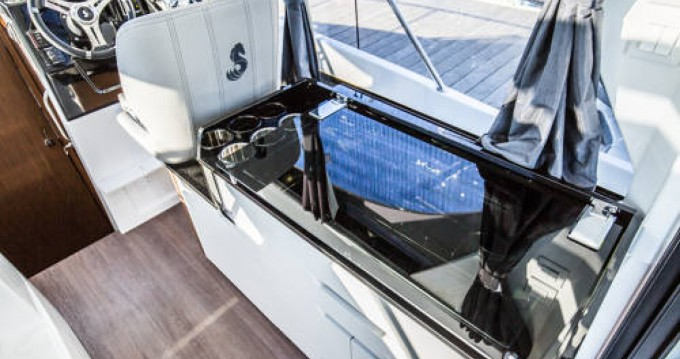 Boat rental Bénéteau Antares 9 OB in Ajaccio on Samboat