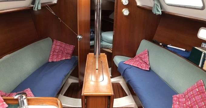 Boat rental Quiberon cheap Oceanis 311 Clipper