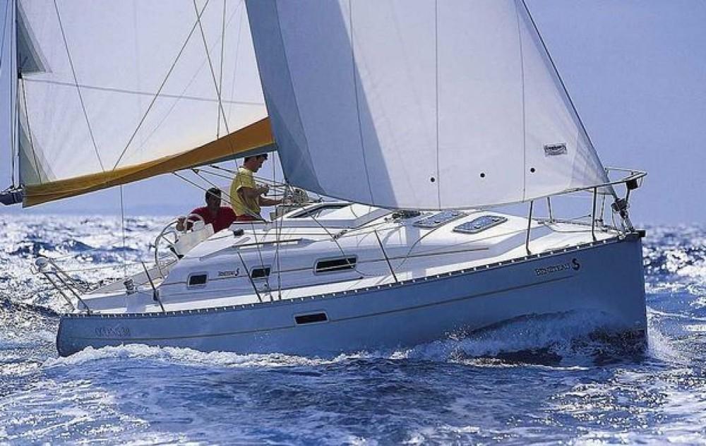 Rental Sailboat in Quiberon - Bénéteau Oceanis 311 Clipper
