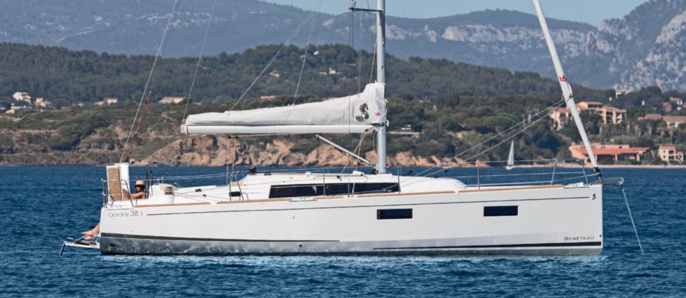 Hire Sailboat with or without skipper Bénéteau Sari-Solenzara
