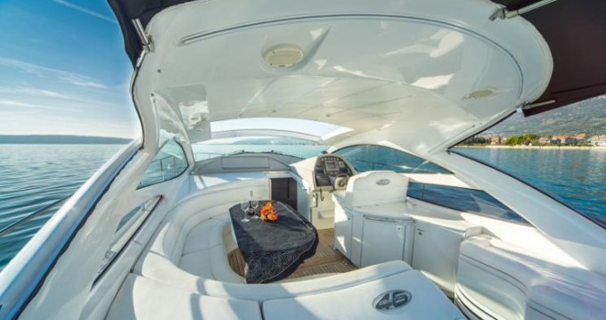 Rental Yacht Pershing with a permit