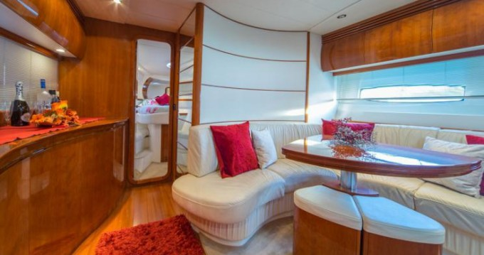 Hire Yacht with or without skipper Pershing Kaštela