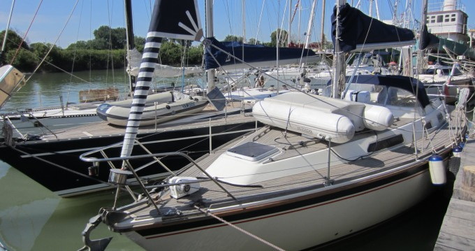 Hire Sailboat with or without skipper Westerly Marina di Grosseto