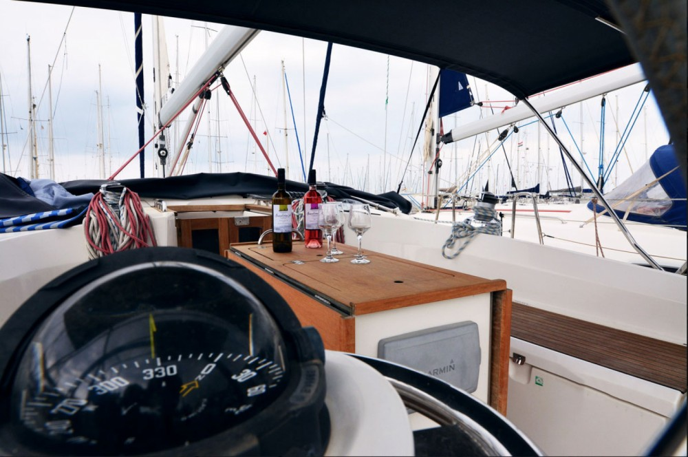 Boat rental Kavala cheap Cruiser 45