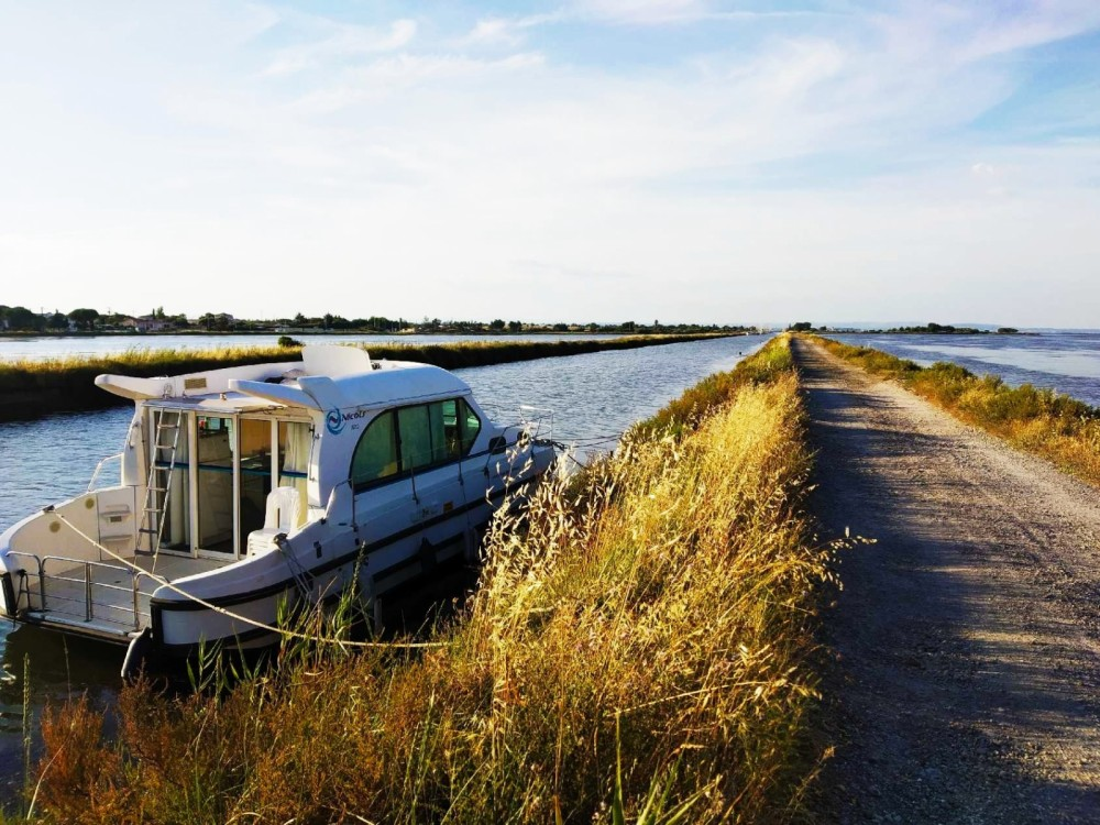Hire Canal boat with or without skipper Nicols Agde