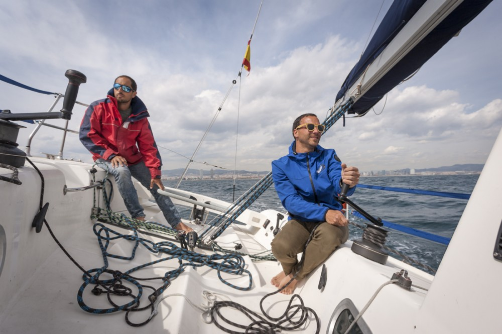 Hire Sailboat with or without skipper Jeanneau Barcelona