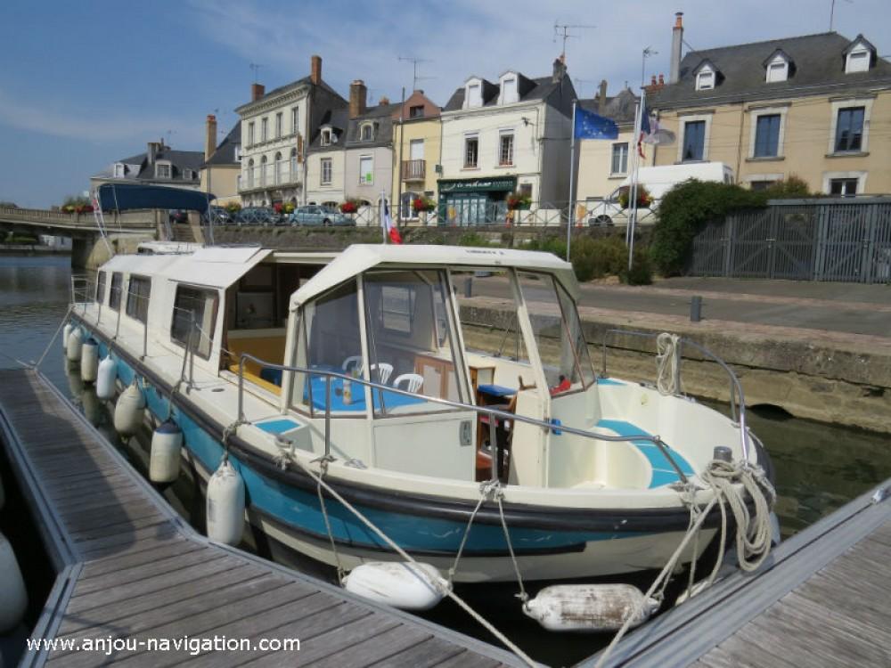 Rental Canal boat in Sablé-sur-Sarthe - Jeanneau Marina 1400