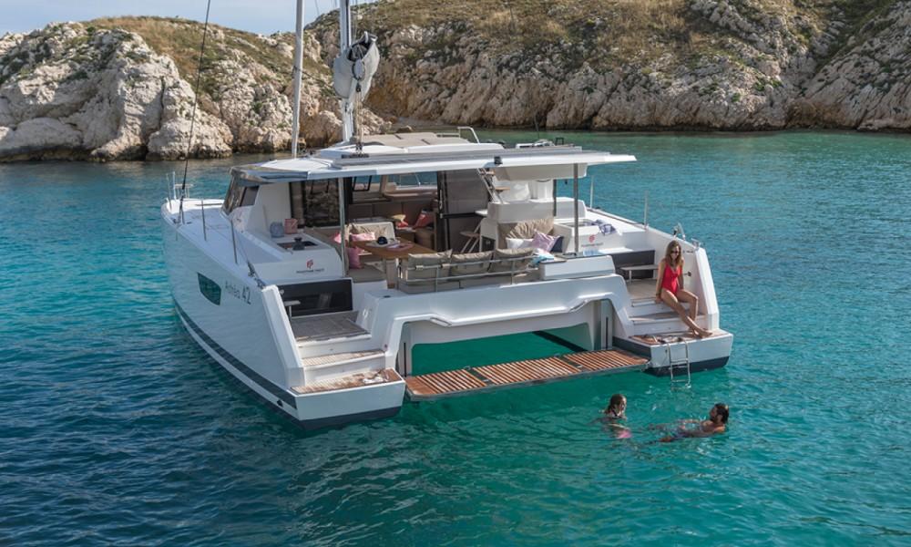 Rental Catamaran in Saint-Mandrier-sur-Mer - Fountaine Pajot Astrea 42 O.V.