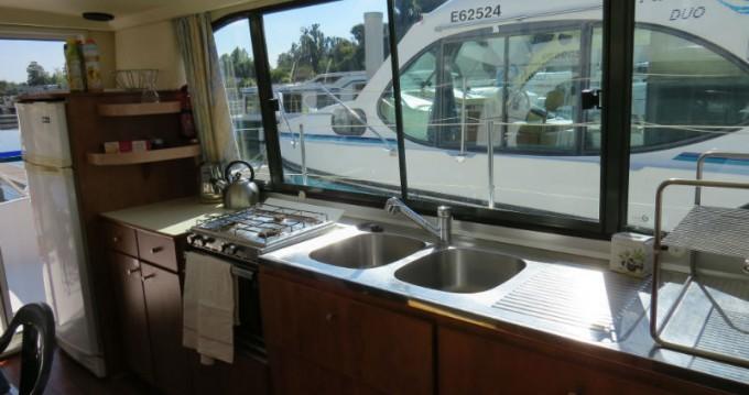 Boat rental Nicols Nicols 1170 in Sablé-sur-Sarthe on Samboat