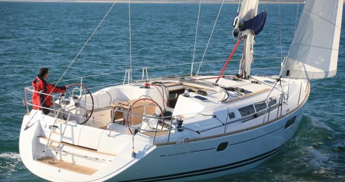 Jeanneau Sun Odyssey 44i between personal and professional Volos