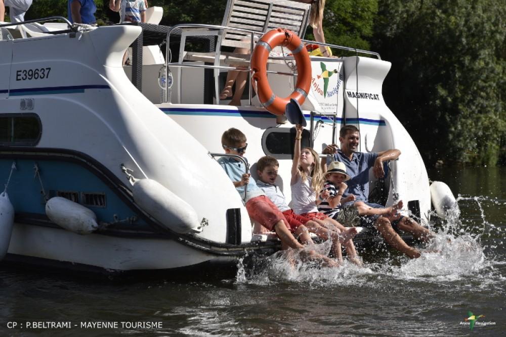 Rental Canal boat in Sablé-sur-Sarthe - Nicols Confort 1350B