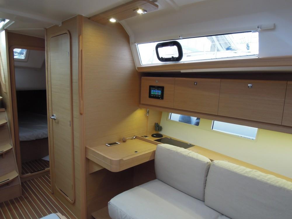 Rental yacht La Trinité-sur-Mer - Dufour Dufour 382 Grand Large on SamBoat