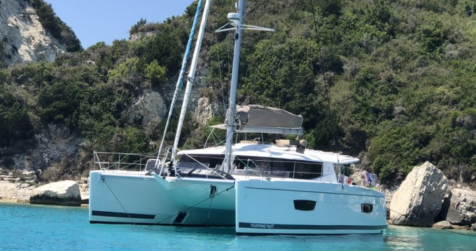 Rental yacht Ajaccio - Fountaine Pajot Helia 44 on SamBoat