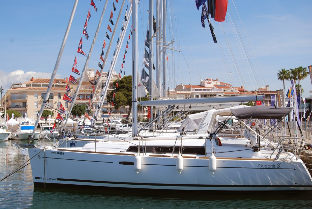 Rental Sailboat in Palma - Bénéteau Oceanis 31