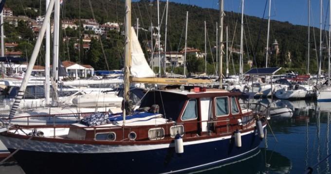 Boat rental Ičići cheap 33