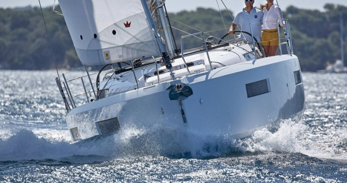 Hire Sailboat with or without skipper Jeanneau Lávrio